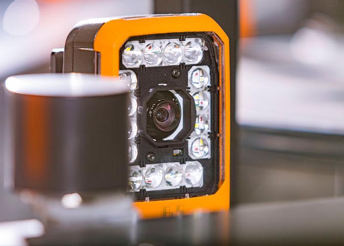 Doordat B&R's Smart Camera meerdere machine vision functies in realtime combineert, wordt de implementatie van opeenvolgende procesgestuurde functies eenvoudig.