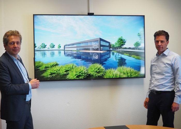Klaas Geschiere, Managing Director NTS Norma Drachten & Tjarko Bouman, CEO van NTS bij een impressie van de nieuwbouw in Drachten. (foto: NTS)