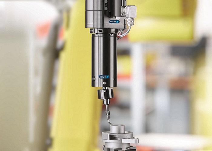 Schunk biedt tools voor elke toepassing om ontbraamtaken te automatiseren.