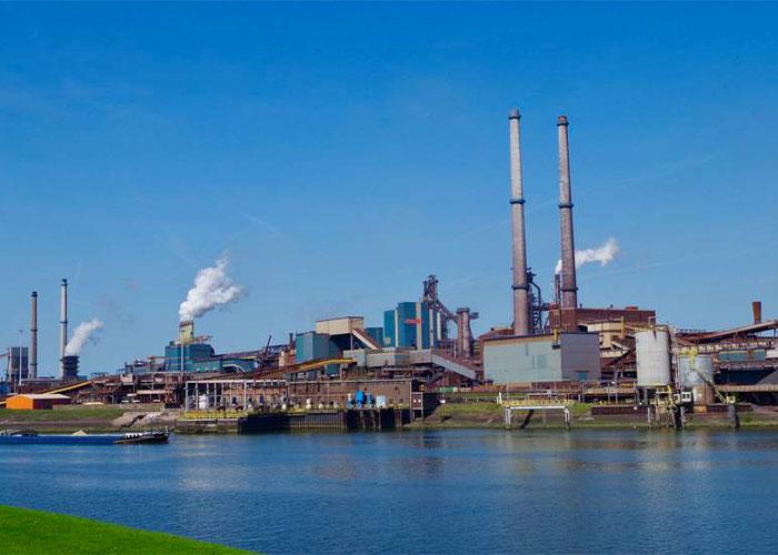 In een onlangs verscheen RIVM-rapport wordt de algemene volksgezondheid in de regio IJmond in verband gebracht met de uitstoot van Tata Steel.