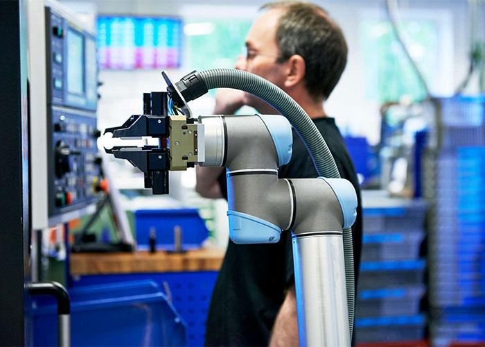 Universal Robots is nog steeds de dominante speler in de markt voor cobots. Maar uitdagers als Fanuc, ABB en anderen zijn bezig met een inhaalslag. (Foto: Universal Robots)