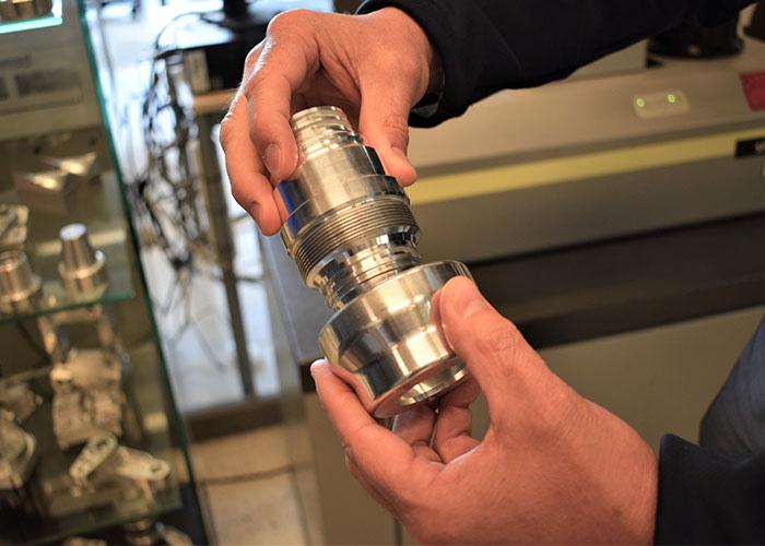 Tijdens de opleidingen BBL 3 Allround Precisieverspaner en BBL 4 Verspaningstechnoloog worden veel werkstukken verspaand in een toenemende moeilijkheidsgraad.