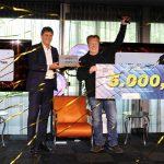 Antal Driessen is blij met de Award. De prijs werd hem overhandigd tijdens een digitaal live-evenement vanuit het Metaalunie-kantoor in Nieuwegein. (Foto: Sander van der Torren)