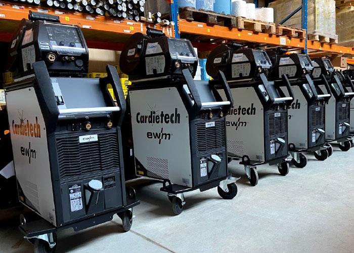 Cardietech heeft opnieuw negen lasmachines geleverd aan Straatman building smart connections: vijf EWM Titan XQ Puls MIG en vier EWM Tetrix 300A TIG machines.