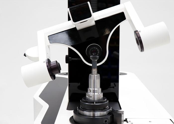 HAIMER heeft een nieuwe skiving-functie geïntroduceerd voor het snel en eenvoudig voorinstellen van tandwielfrezen. (foto's Haimer)