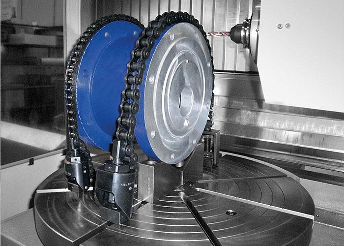 De kettingspanner van KIPP spant werkstukken met een gelijkmatige krachtverdeling. (Foto: Kipp)