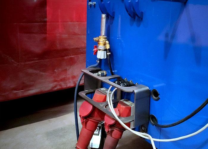 De connectoren worden beschermd om gevaar bij een aanvaring te voorkomen.