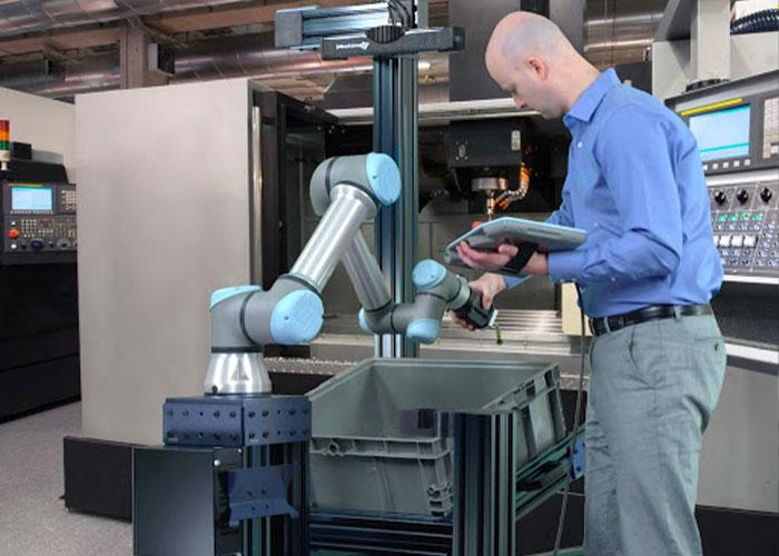 Cobots zijn een oplossing om processen te automatiseren en medewerkers te ondersteunen. De cobotmarkt is sterk in ontwikkeling en groeit met 40% per jaar.