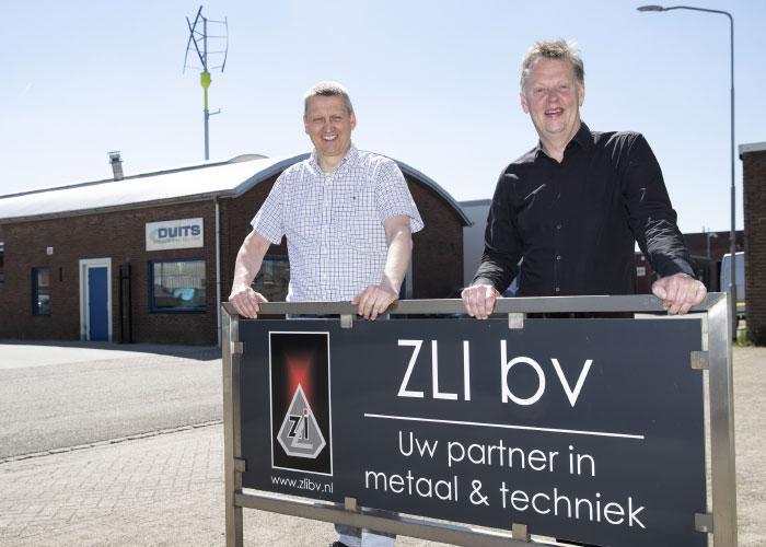 Duits en Zutphense Las Industrie worden zusterbedrijven. Links Alfred Stokvis, rechts Gerard Keessen. (Foto Patrick van Gemert/Zutphens Persbureau)