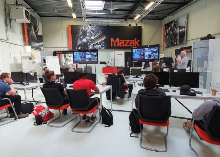 De studenten van het ECP ExpertiseCentrum Precisietechnologie kregen in het democentrum van Mazak een interessant programma voorgeschoteld.