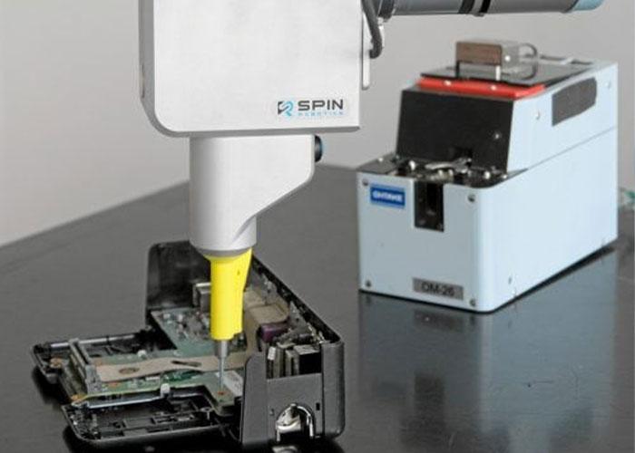 De schroevendraaiertools van Spin Robotics zijn compatibel met collaboratieve robots voor een veilige, gebruiksvriendelijke en consistente schroefassemblage.