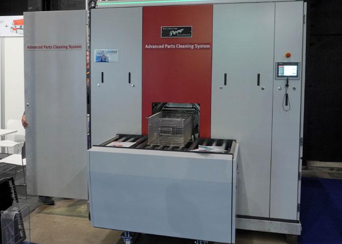 Gibac presenteert de Pero dampontvetter op METAVAK. Dampontvetten heeft als grote voordeel dat cross-contaminatie is uitgesloten. Daarnaast is de cyclustijd aanzienlijk korter dan bij een waterige reinigingsstraat.