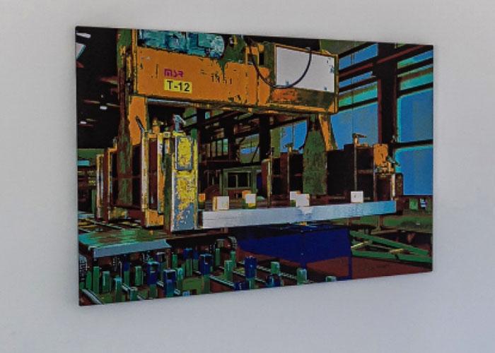 Nog een van de kunstwerken in het nieuwe kantoor.