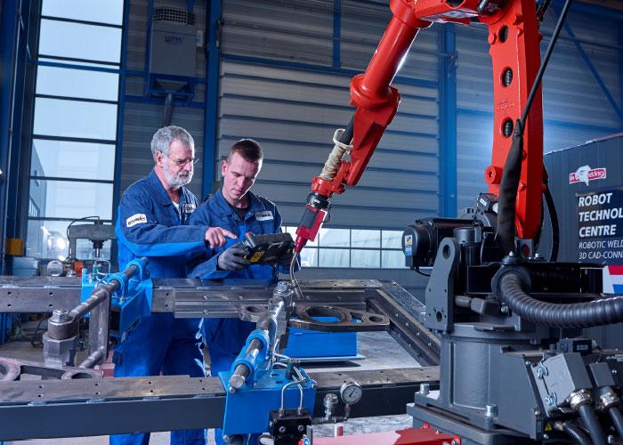 SMITZH organiseert op METAVAK een 3-daags programma over diverse aspecten van het automatiseren, robotiseren en digitaliseren van de productie.