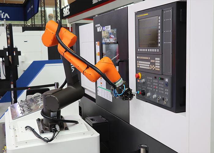 Tijdens de cobot dag is er ook gelegenheid om dieper in te gaan op technische cobot vragen. Hanwha Robotics technici zijn hiervoor aanwezig.