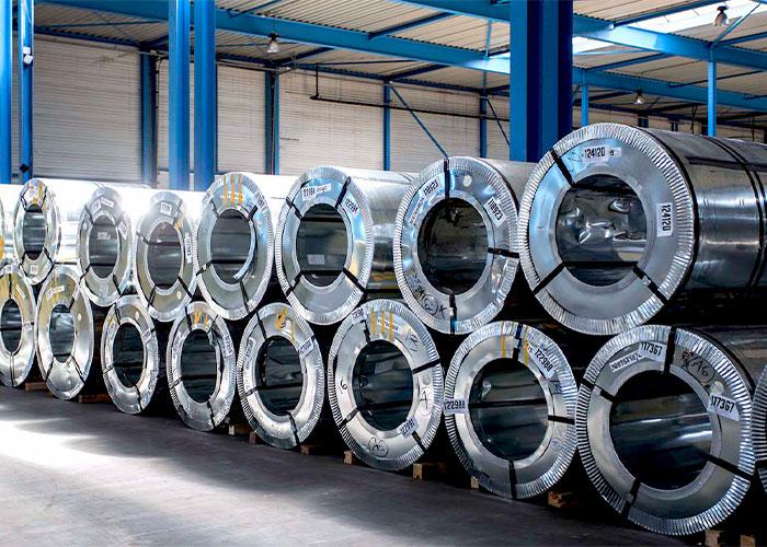 HEGO heeft een breed assortiment in zowel roestvast staal als aluminium platen en coils in diverse afmetingen en legeringen.